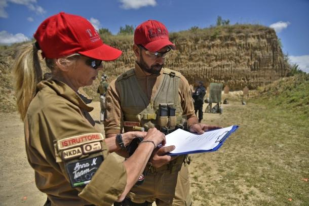 """Gli istruttori responsabili della componente """"tattica"""" verificano gli aspetti organizzativi, garantendo la sicurezza sul campo"""