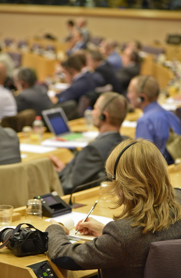 Le istituzioni europee comprenderanno che le restrizioni proposte non pootranno che alienare ancor di più le simpatie dei cittadini?