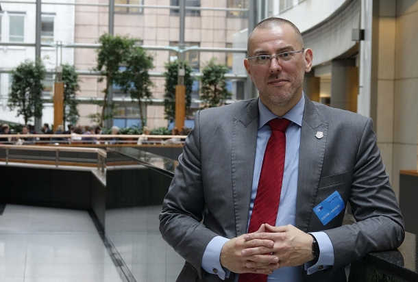 Tomasz W. Stępień, President of Firearms United, delivered a fiery closing remark