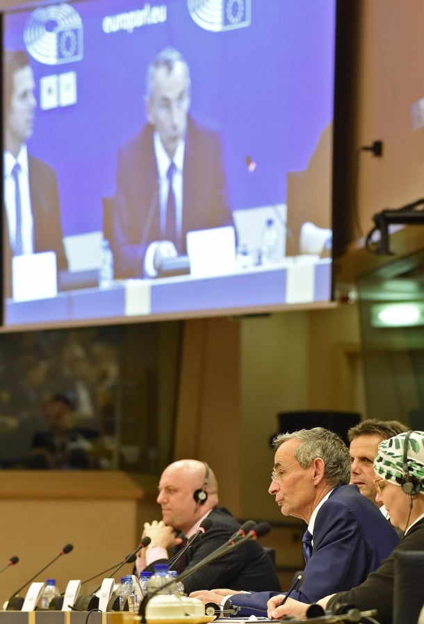 For the first time, a meeting about the modification of the European firearms directive was open to public attendance and discussion