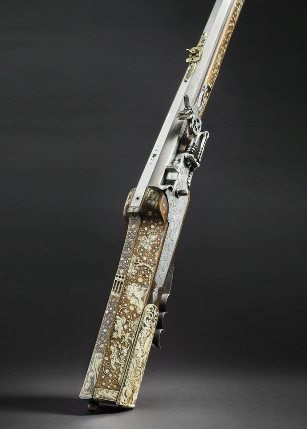 A Bohemian lavishly bone-inlaid wheellock hunting rifle, dated 1678