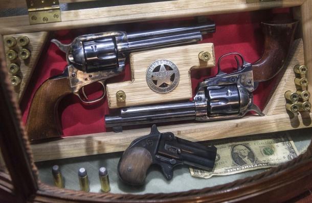 Due Colt 1873 di Uberti