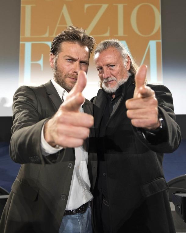 Il regista Emiliano Ferrera insieme al Maestro d'Armi Ottaviano Dell'Acqua
