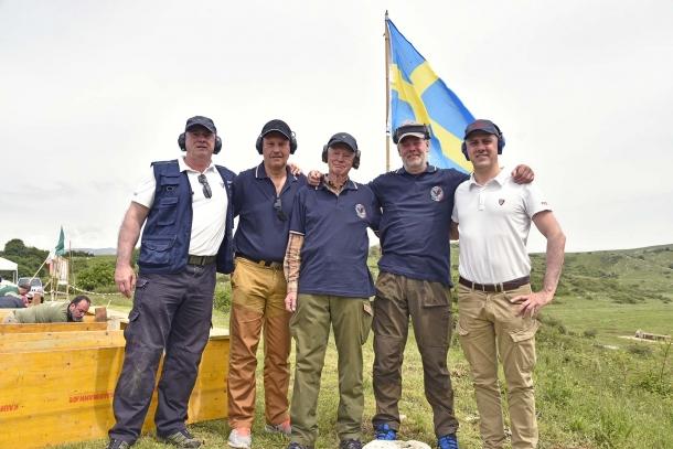 Anche tre tiratori appositamente venuti dalla Svezia! con tanto di bandiera in loro onore... se hanno fatto tanti chilometri, vuol dire che ne valeva la pena...