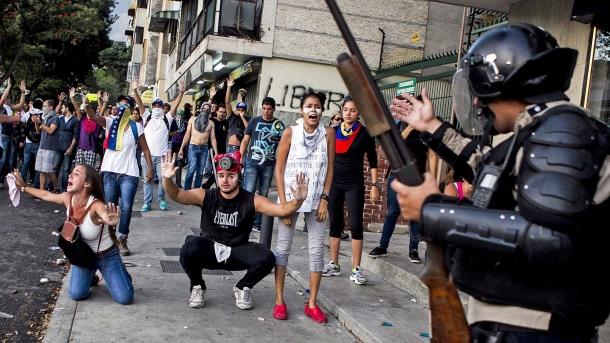 Il Venezuela è attualmente sull'orlo della guerra civile