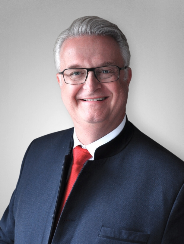 Dirk Stöver, a mechanical engineer and avid hunter, will take charge as the new CEO for Blaser on 8/1/2018