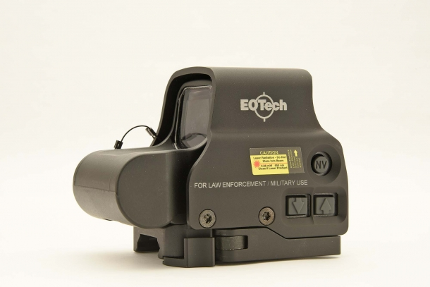 A left side view of the EOTech EXPS3...