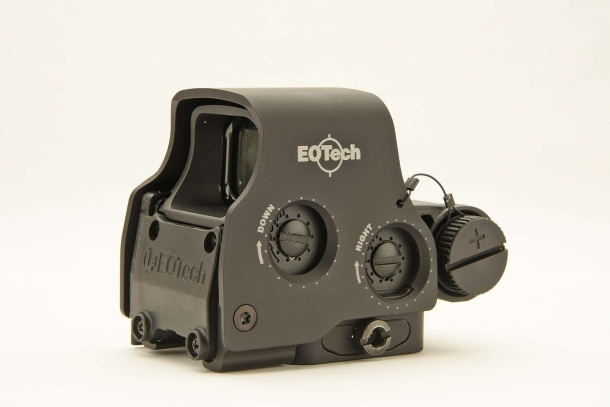 A right side view of the EOTech EXPS3...