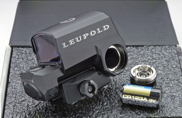 the Leupold LCO is fed by a single CR123A 3V lithium battery