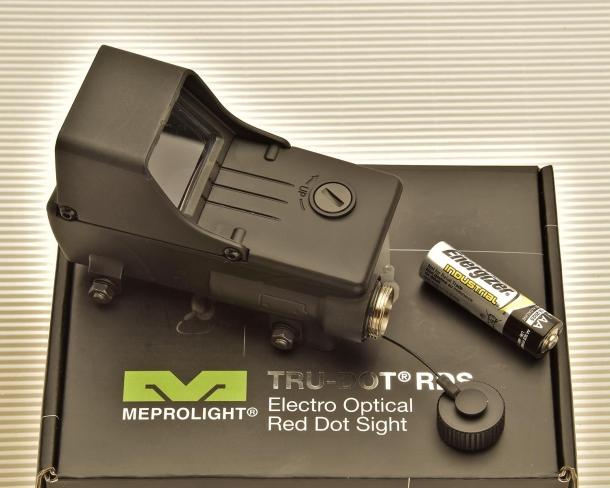 Il Meprolight Tru-Dot RDS funziona con una singola batteria stilo AA