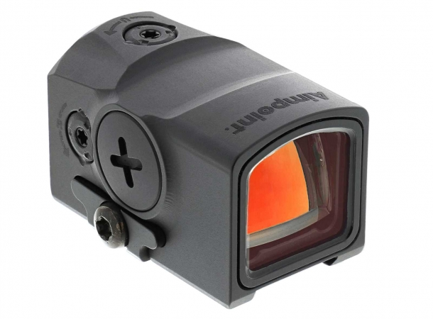 The battery of the Aimpoint ACRO P-1 can be replaced without removing the sight from the gun
