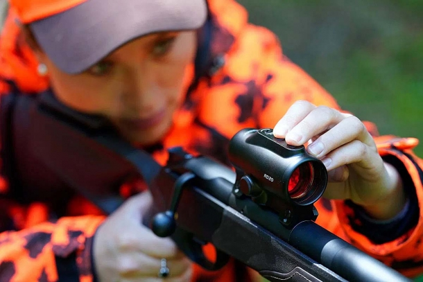 Blaser RD20 1x36, a dedicated red dot sight for Blaser rifles