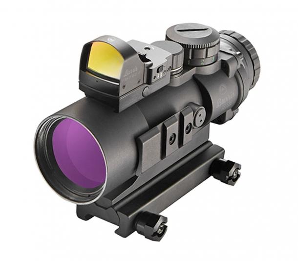 Sul rail superiore del Burris AR-536 possiamo montare ad esempio anche un Burris Fast Fire 3