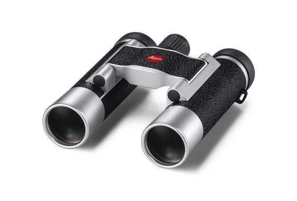 Il binocolo Leica Ultravid 8x20, in versione argento