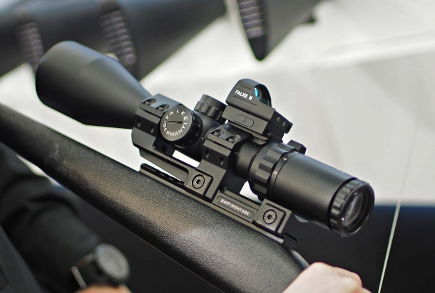 The Falke 3-12 x 56 riflescope with dimmable reticle