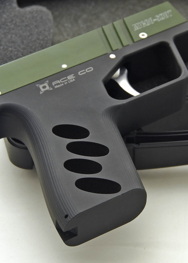 The AceCo Micro-Shot is extremely lightweight, given the engineering of the machined aluminum structure