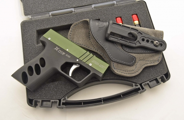 Compact and lightweight, the Micro-Shot was conceived for 24/7 concealed carry