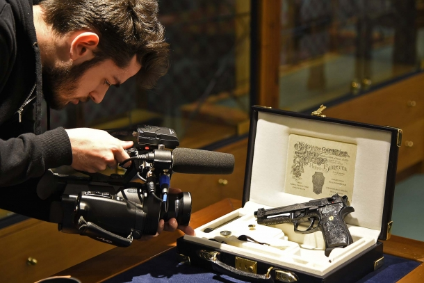 The GUNSweek.com team documents the delivery of the Beretta 98FS Demon pistol to the Red Point gun shop