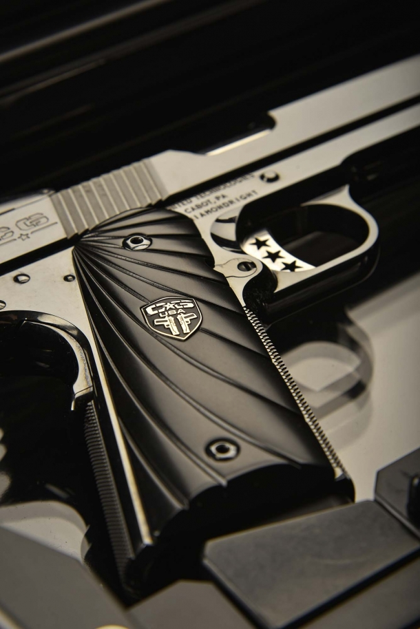 The G10 grip panels manufactured by Cabot Guns for their 1911 feature a Fibonacci scale-pattern design