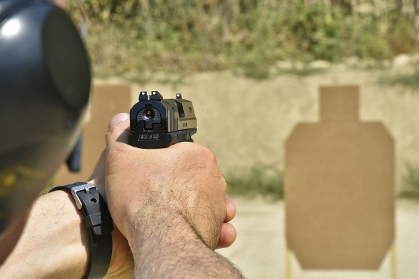 Le armi si sono dimostrate ben controllabili tanto nel tiro mirato quanto nel tiro rapido