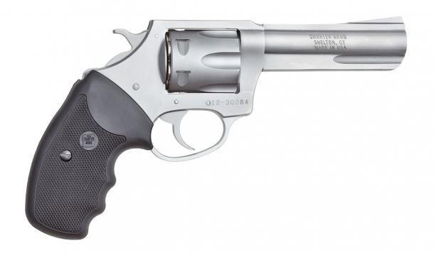 Non solo canna corta: alcune varianti dei revolver Charter Arms sono disponibili con canna da 4,2 pollici