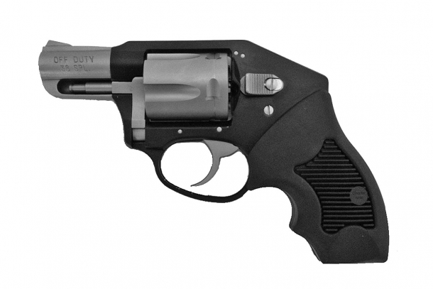 Charter Arms Off Duty Black in calibro .38 Special