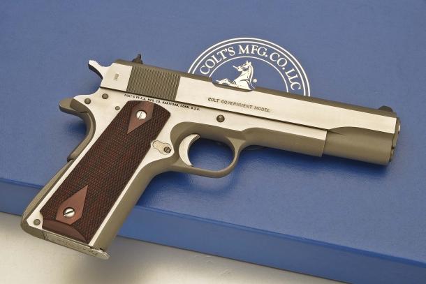 Lato destro dell'arma