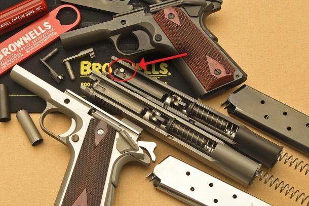 Le Colt 1911 Serie 70 e Serie 80 differiscono per la sicura automatica al percussore, presente solo sulla Serie 80