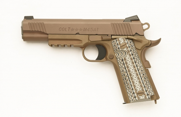 Lato sinistro della Colt M45A1 CQBP