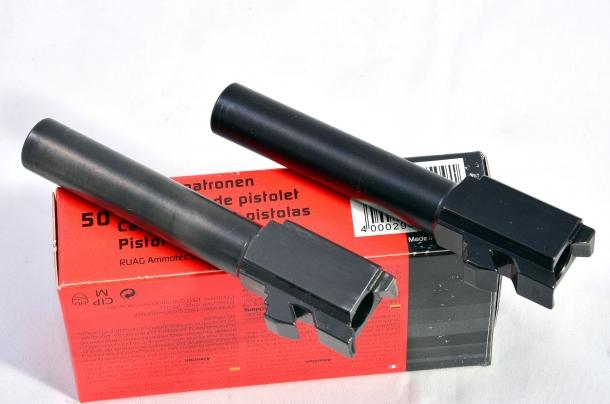 La canna della Glock G19 Gen 5 differisce dalla Gen 4  per la finitura più scura e la rigatura convenzionale