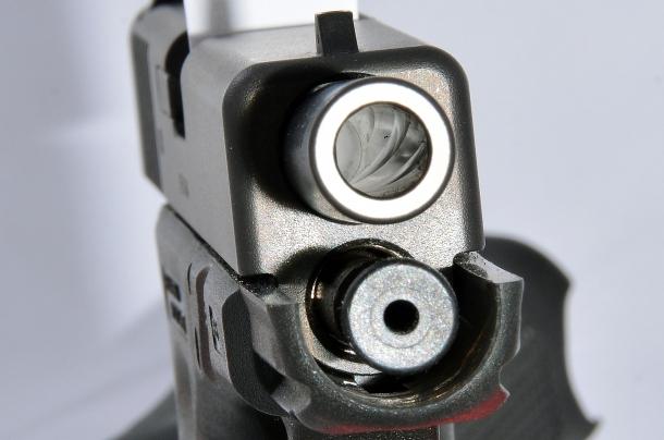 Glock G19 Gen4: la canna ha le  rigature poligonali che consentono in ogni caso un'ottima precisione anche con palle in lega