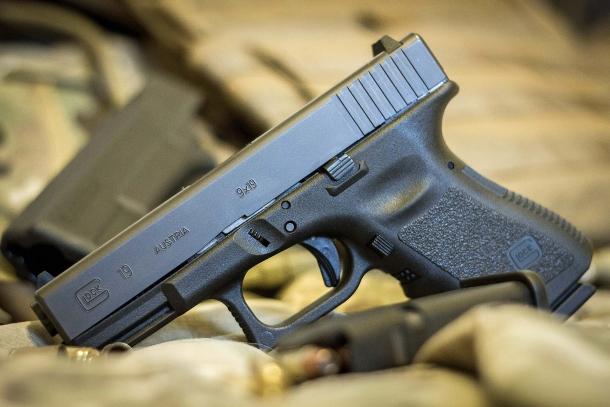 Il regolamento IDPA raggruppa le armi in sei divisioni