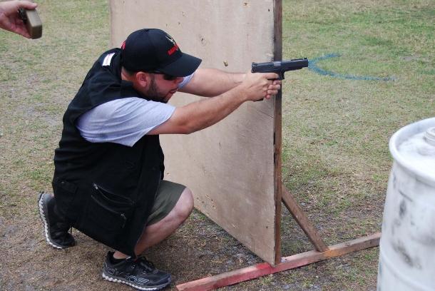 Il tiro IDPA è sicuramente una delle discipline di tiro pratico più accessibili, sia in quanto a costi che a capacità