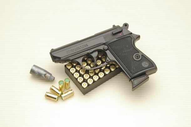 La Kimar Lady K è una pistola da segnalazione in calibro 9mm PAK