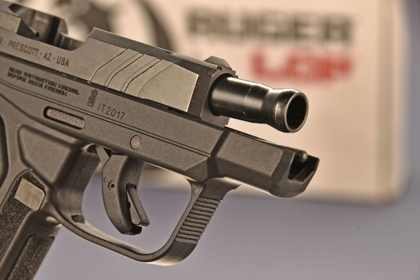 la canna della Ruger LCP II  calibro .380 ACP, presenta una strombatura che assicura il ritorno centrato della canna durante il ciclo di sparo