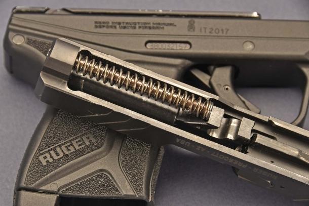 il sistema di recupero della Ruger LCP II  calibro .380 ACP, si avvale di due molle