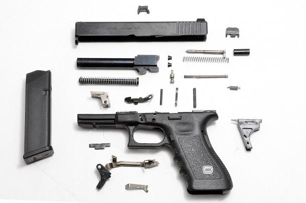 Una Glock in smontaggio completo: poche parti, poche possibilità di rotture