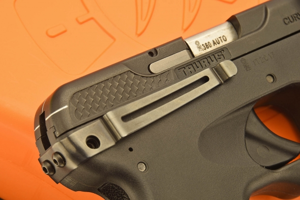 The built-in clip allows holster-less pocket or IWB carry