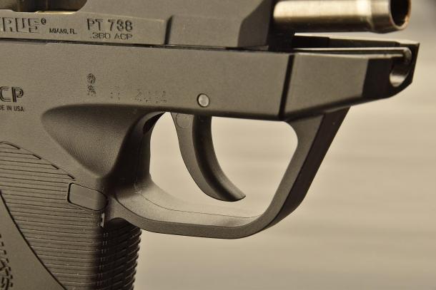 Il grilletto solo doppia azione della Taurus PT738 Ultra Carry