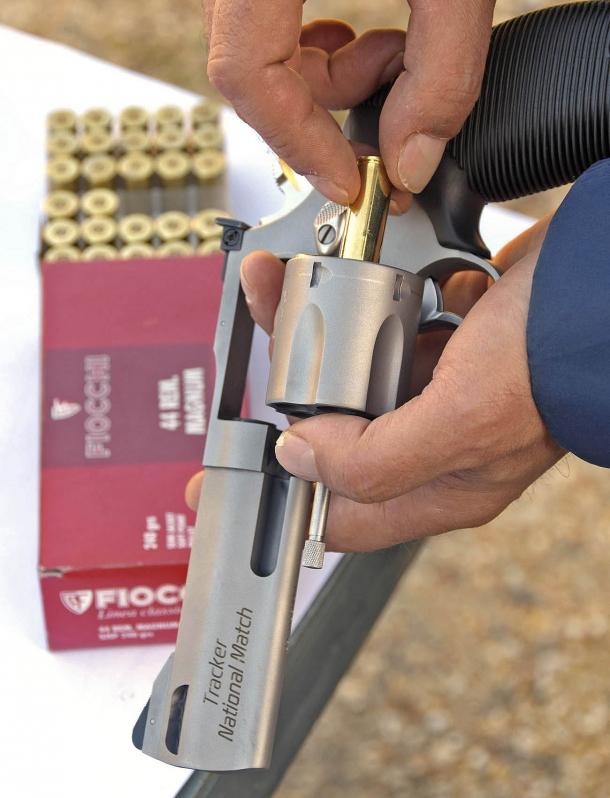 Le prove sono state effettuate con Fiocchi .44 Remington Magnum SJSP da 240 gr