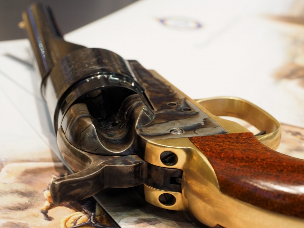 Uberti 1862 Police Conversion, vista posteriore dell'arma