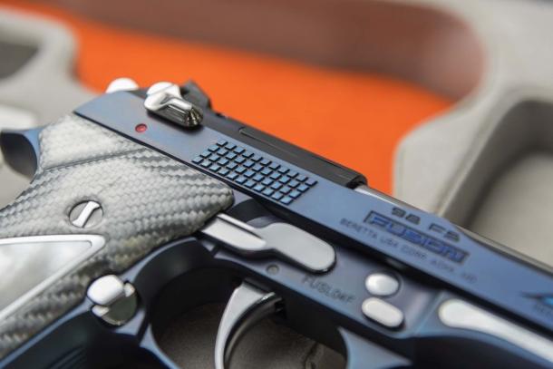 Beretta 92/98FS Fusion Blue: eleganza azzurra, in serie limitata