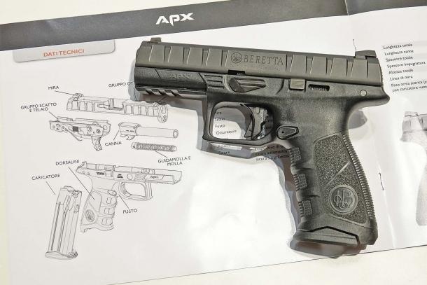 """La pistola Beretta APX, la nuova """"ammiraglia"""" di casa Beretta"""