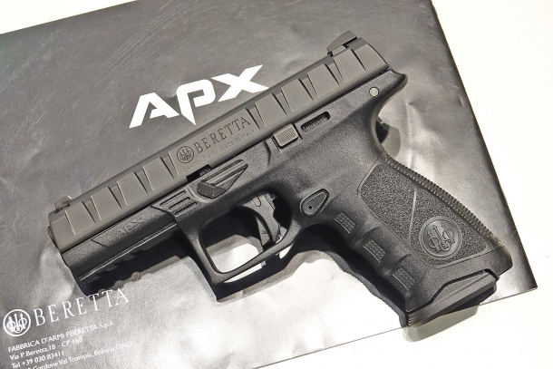 La Beretta APX vista dal lato sinistro