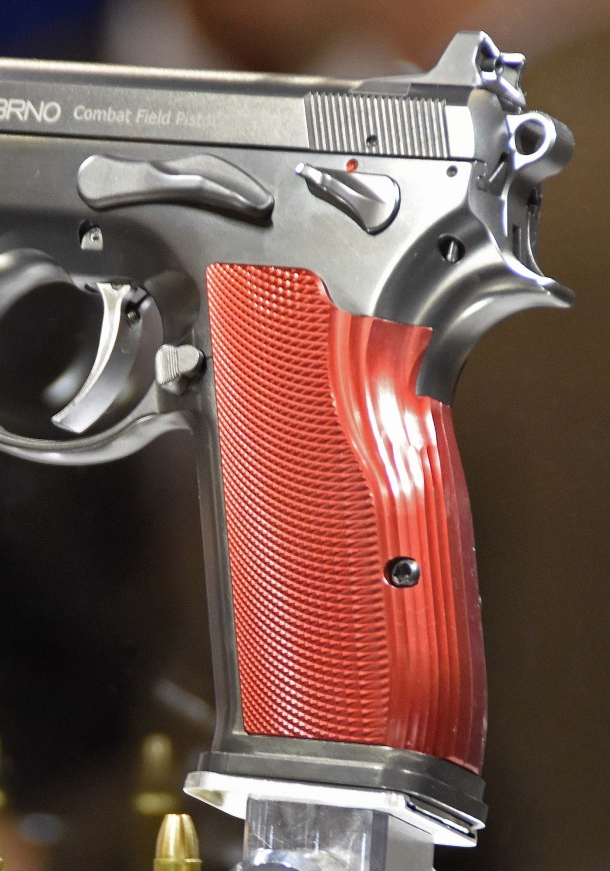 In this picture, the round back grip version