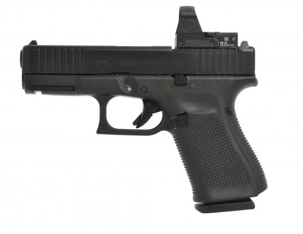 La pistola Glock 19 Gen5 MOS