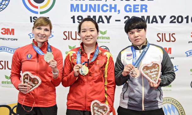 The 25m Pistol Woman podium, from left: Kostevich Olena (UKR), Jingjing Zhang (CHN), Naphaswan Yangpaiboon (THA). All of them with Pardini guns