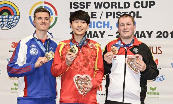 The 25m Rapid Fire Pistol podium, from left: Jean Quiquampoix (FRA), Fusheng Zhang (CHN), Christian Reitz (GER). All of them with Pardini guns
