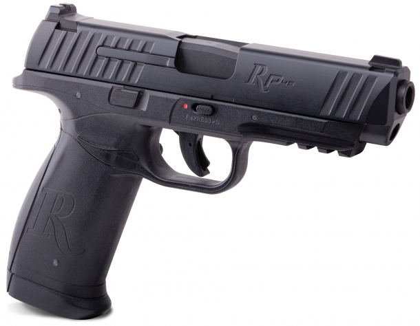 Also ready for launch is a 4,5mm/.177 caliber, CO²-powered training version, manufactured by Crosman