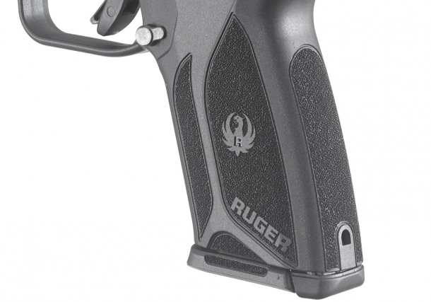 Textured grip frame provides a secure and comfortable grip in almost all conditions
